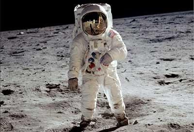 آموزش فضانوردی