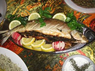لذیذ ترین ماهی شکم پر را اینطوری طبخ کنید