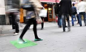 قدم زنی در این پیاده رو برق تولید میکند همراه تصاویر