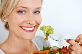 اینطوری غذا بخورید تا سالم بمانید