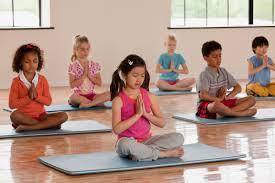 یوگا روشی برای آرامش کودکان همراه با آموزش حرکات