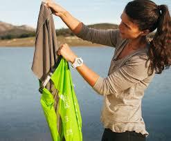 لباسهایی تمیز باکیف لباسشویی برای خانه و سفر