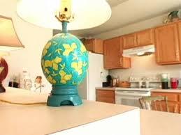 کاردستی با پر و تخم شترمرغ
